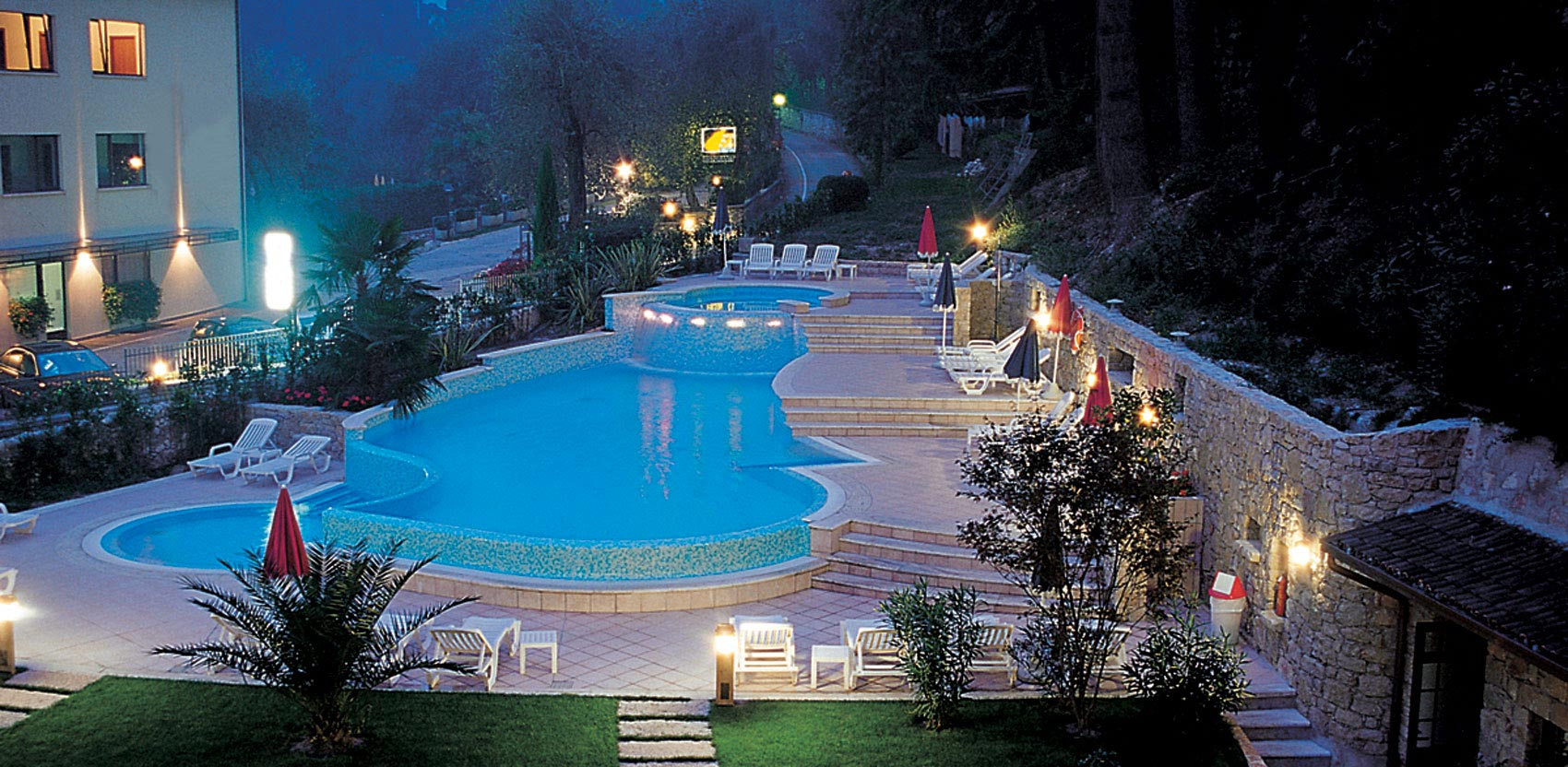 hotel spiaggia 3 sterne hotel am gardasee mit strand und pool. Black Bedroom Furniture Sets. Home Design Ideas